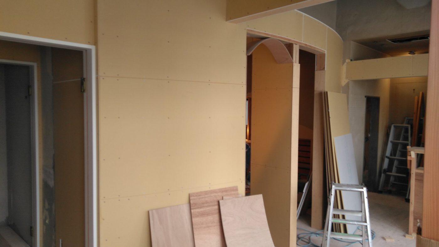 美容室リノベーション アール壁造作